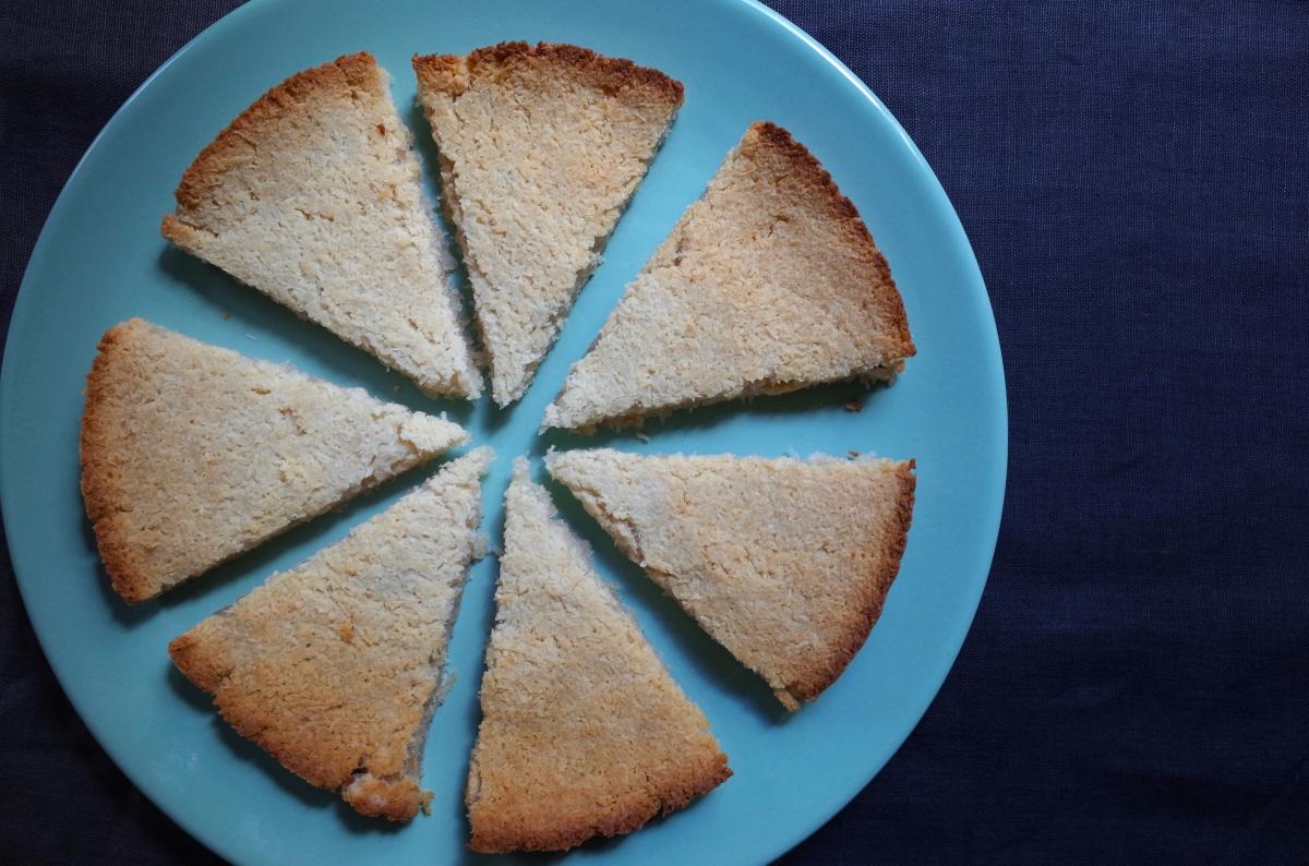 Kanom Babin (Coconut Cake) ขนมบ้าบิ่น