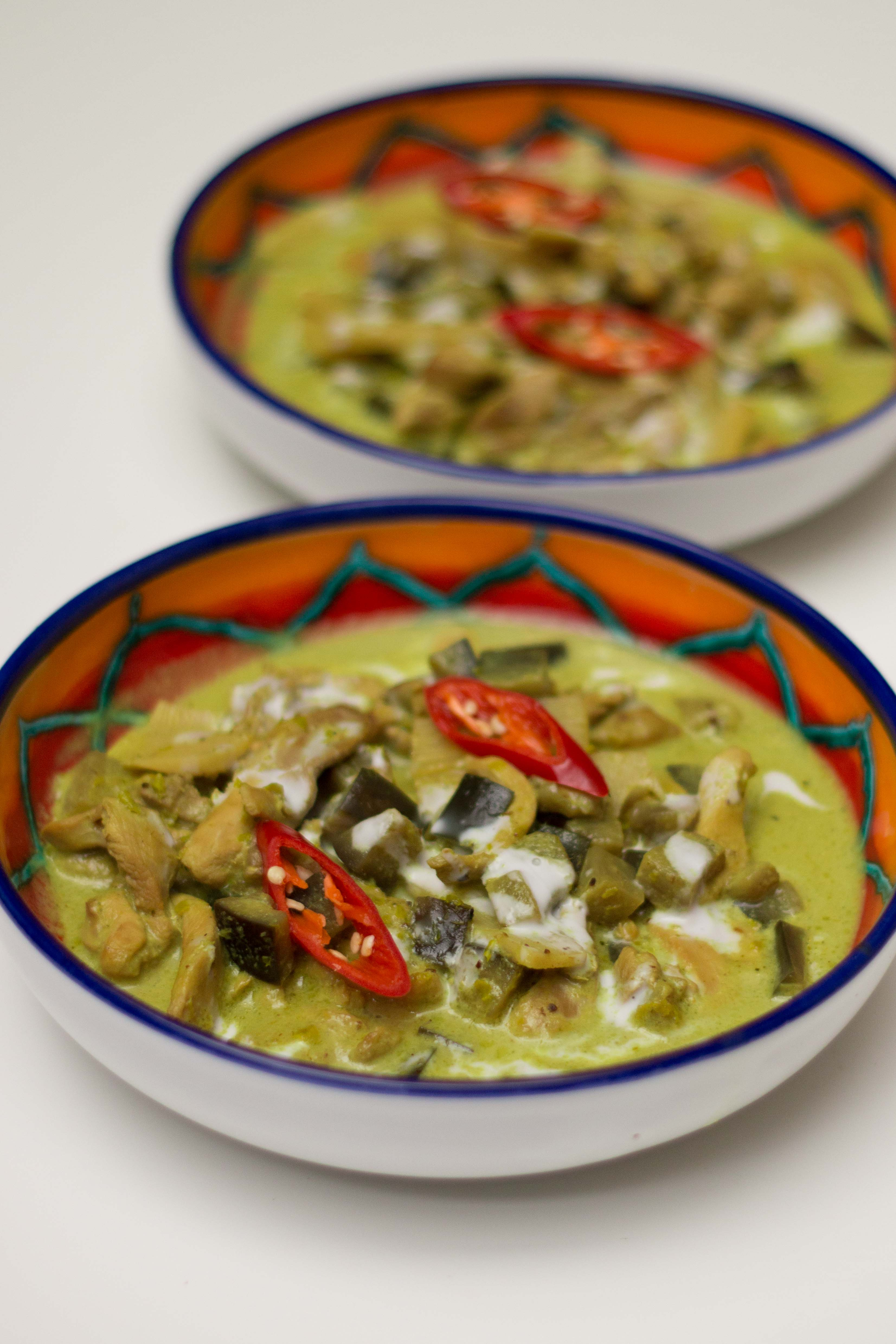 Chicken green curry i dont deny that cooking thai food using traditional techniques can promise authentic tastes but taking shortcuts are just as appealing when scrapped for forumfinder Gallery